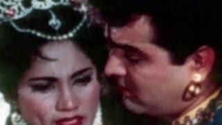 Feroz Khan hurts Sayeeda Khan - Char Darvesh, Emotional Scene 9/9