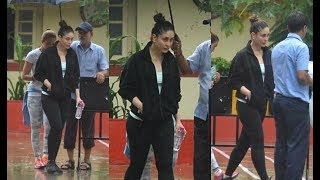 Kareena Kapoor spotted Outside Gym In Rainy Morning