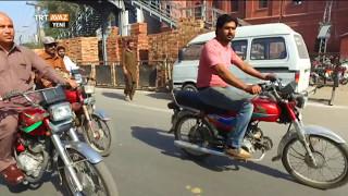 Pakistan'da Lahor Sokaklarını Gezdik - TRT Avaz