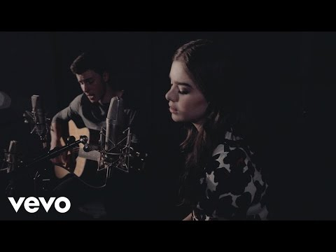 Download Shawn Mendes & Hailee Steinfeld - Stitches ft. Hailee Steinfeld On Musiku.PW