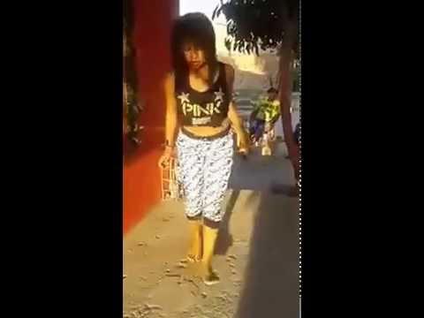 Mujer bailando champeta
