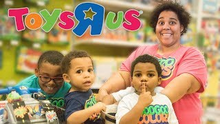 FAMILY PRETEND PLAY HIDE N SEEK IN TOYS R US! Learn to Count to 10