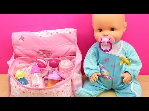 Xxx Mp4 Bolso Cambiador Para La Bebé La Muñeca Bebé Nenuco Come Papilla Hace Pipí Y Le Cambio El Pañal 3gp Sex