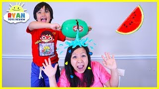 Ryan plays Watermelon Smash Challenge on Mommy!