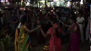funny dance of hyderabadi women