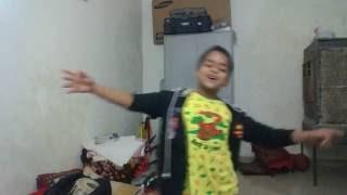 Tera Dhiyan Kidhar Hai Ye Tera Hero Idhar Hai