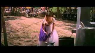 Kadhal Sadugudu - Vikram beats Ilavarasu
