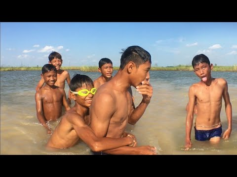 Xxx Mp4 Real Life Boys Swimming And Playing In Water Of The Pond 3gp Sex