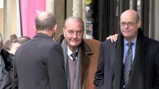 EXCLUSIVE - Ex president Jacques Chirac looking good going to La Palette cafe in Paris