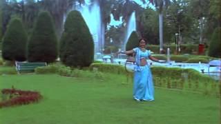 kajal raghwani hot navel song