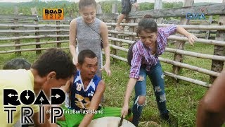 Road Trip: Klea, Ayra, and Arra run and catch the cow!
