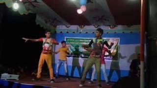 Awesome bangla dance by Bangladeshi Local Boys 2