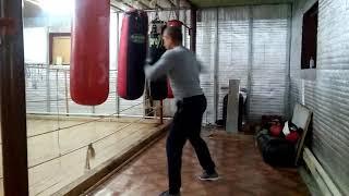 Работа на мешке в профессиональном боксе.
