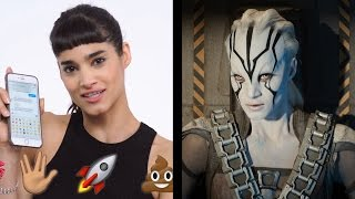 Star Trek's Jaylah (Sofia Boutella) Shows Us the Last Thing on Her Phone   WIRED