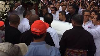 Prosesi Pemakaman YM Mgr. Hilarius Moa Nurak, SVD (Uskup Keuskupan Pangkalpinang)