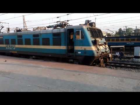 02821 Pune Santragachi AC SF SPL