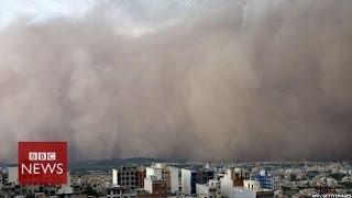 Moment freak sandstorm hit Iranian capital Tehran - BBC News