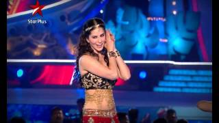 Sunny Leone burns the dance floor at the Big Star Entertainment Awards 2013