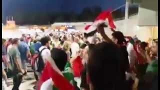 مشجعون عراقيين يطردون المشجعين الايرانيين بعد مباراة العراق وايران في كاس اسيا 2015