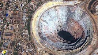 【衝撃】世界で最も巨大な穴8選