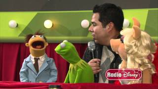 """The Muppets with Radio Disney's Ernie D. on the """"Green"""" Carpet!"""