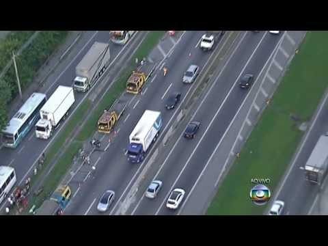 Acidente deixou 3 mortos e 12 feridos na Via Dutra sentido Centro do Rio