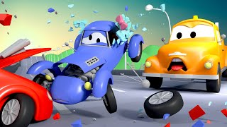 O acidente ! Katie O Carro de corrida - Tom o Caminhão de Reboque na Cidade do Carro Desenho animado