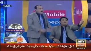 Pakistani TV Host fighting with Comedians on Live PSL show  Umar Sharif speechless