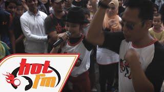 Ayda Jebat - Siapa Diriku  (Live @ Hot FM Ronda-Ronda)