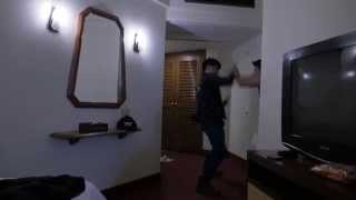 2 men get into a knife fight in a hotel in Thailand!