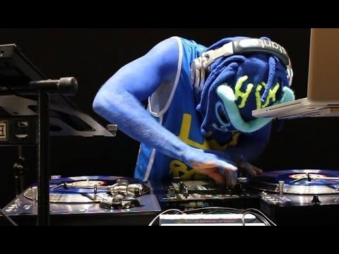 Turntablism beyond Scratching: DJing at its Finest feat. HIX BOSON - BERLINMUSIC.TV