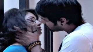 Kumkum Bhagya Episode 659 - Abhi Kissing Pragya