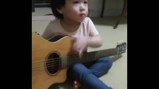 Kirana Retnohening's singing kidsong twinkle twinkle little star