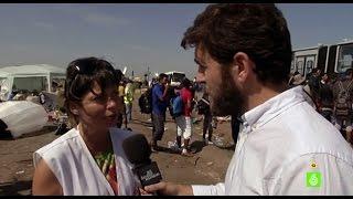 Gonzo entrevista a la doctora de campo de Médicos Sin Fronteras, Ana Lemos, en Roszke