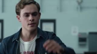 Power Rangers (2017) Jason slaps Bully - Jason Saves Billy from Bully Scene Explained *SPOILERS*
