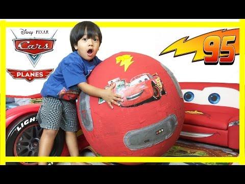 100 cars toys GIANT EGG SURPRISE OPENING Disney Pixar Lightning McQueen kids video Ryan ToysReview