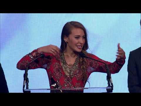 Lauren Daigle Wins New Artist of the Year