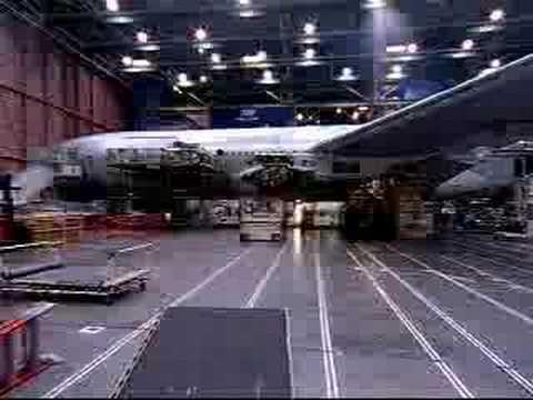 como se construye un boeing 777 en 4 min.