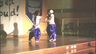 Sanjana & Yaswhini perfroming dance at Arncliffe public school
