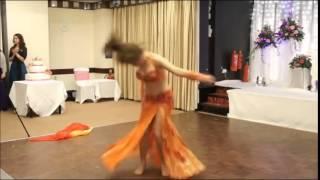 رقص عراقي جميل للثنائي البريطاني المتألق كايزيل وفانسا
