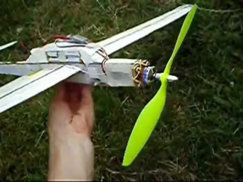 Planador de isopor e bambu motorizado II