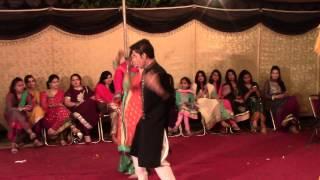 Mehndi Dance '14
