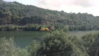 Hidroaviones cargando en Rivela