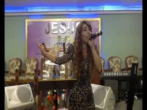 Leandra Nascimento Pregando em D.de Caxias RJ