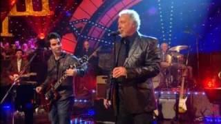 Dave Swift on Bass with Jools Holland backing Tom Jones & Kelly Jones