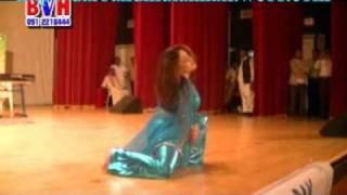 Pashto new year show in Dubai 2011 ! dance by Sono laal