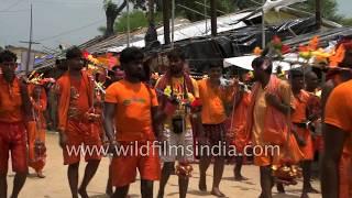 Kawariyas walk 105 km to reach Baba Baidyanath Temple in Deoghar