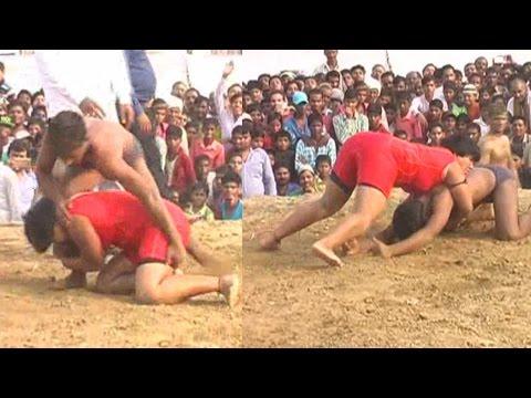 Ladka Ladki Ki Kusti - Girl Beat Boy and Win Wrestling Match in India