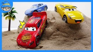 Disney car toys episode. Lightning McQueen is coming down the hill. hill racing game.