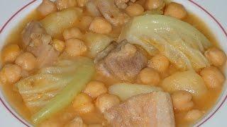 Potaje de garbanzos con col y huesos de cerdo. Toni Costa